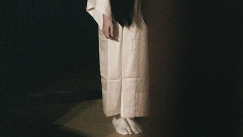 白装束を着た幽霊死霊
