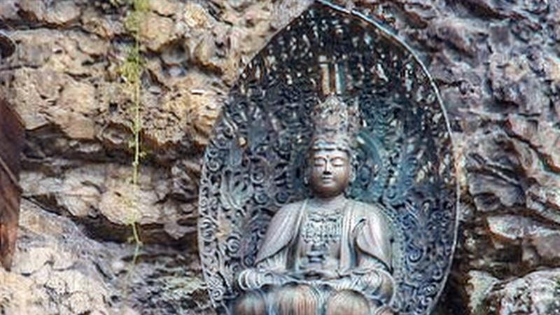 宝山寺 般若窟 弥勒菩薩像